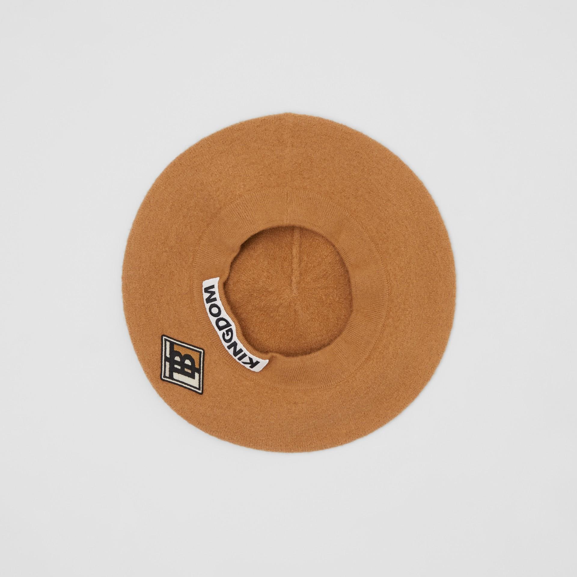 Boina de lã merino com logotipo gráfico (Amêndoa Queimada) | Burberry - galeria de imagens 4