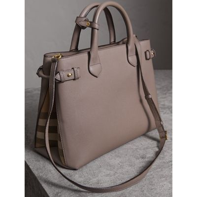 Burberry - Sac The Banner medium en cuir et coton House check - 5