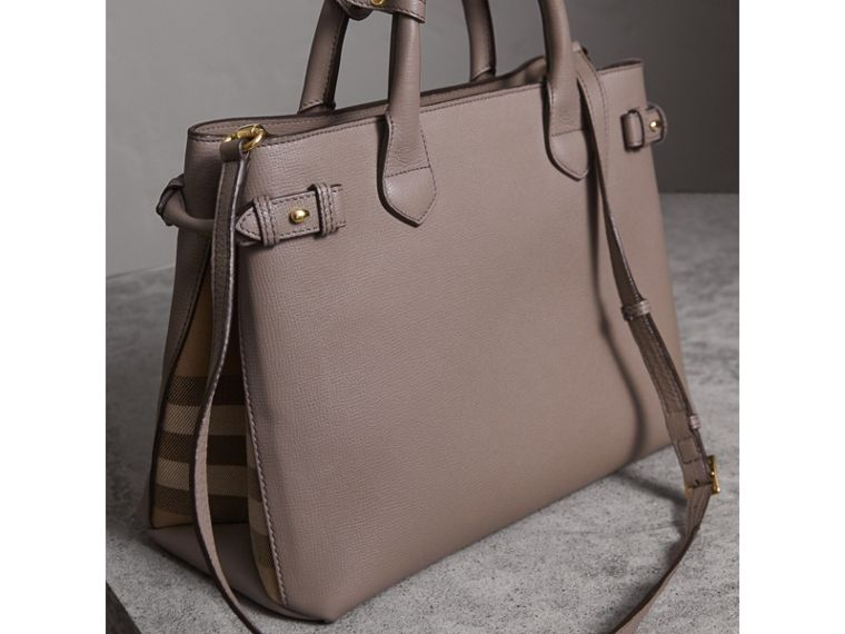 Sac The Banner medium en cuir et coton House check (Gris Chardon) - Femme | Burberry - cell image 4