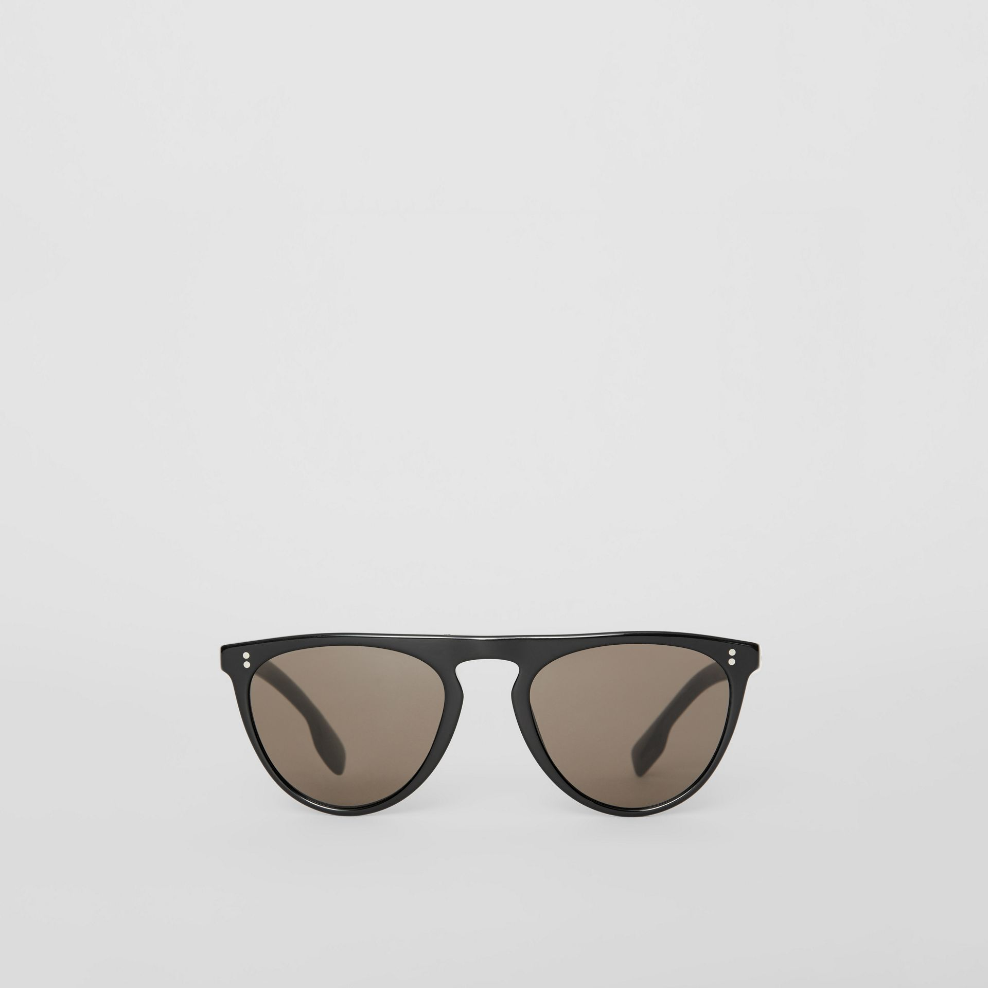 Keyhole D-shaped Sunglasses in Black - Men | Burberry United States - gallery image 0