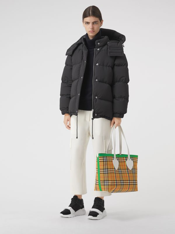 The Medium Giant Tote in Rainbow Vintage Check in Antique Yellow | Burberry - cell image 2