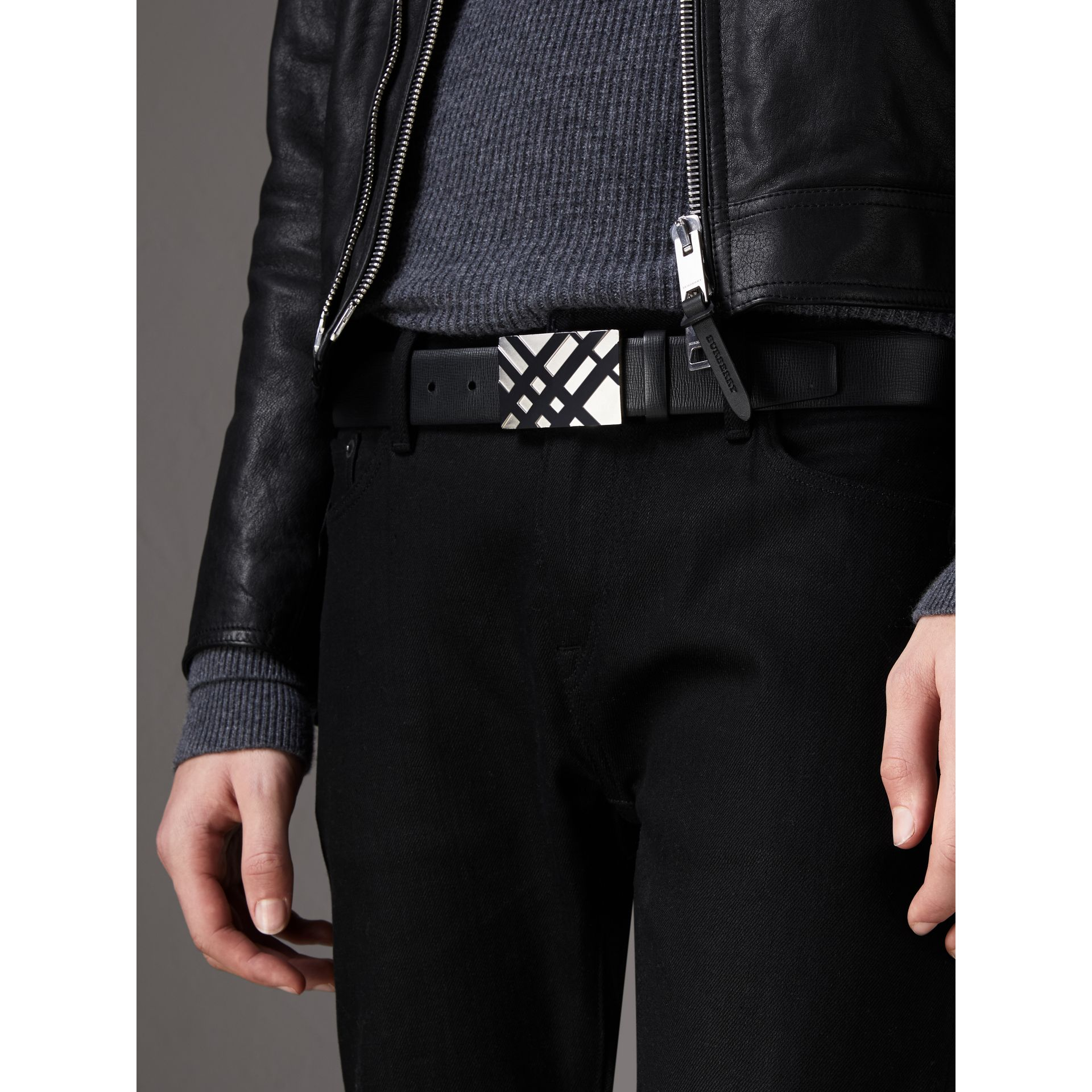 Check-embossed Buckle London Leather Belt in Black - Men | Burberry - gallery image 3