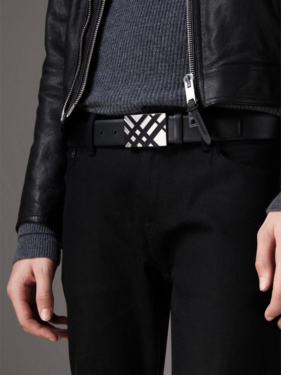 Check-embossed Buckle London Leather Belt in Black - Men | Burberry - cell image 2