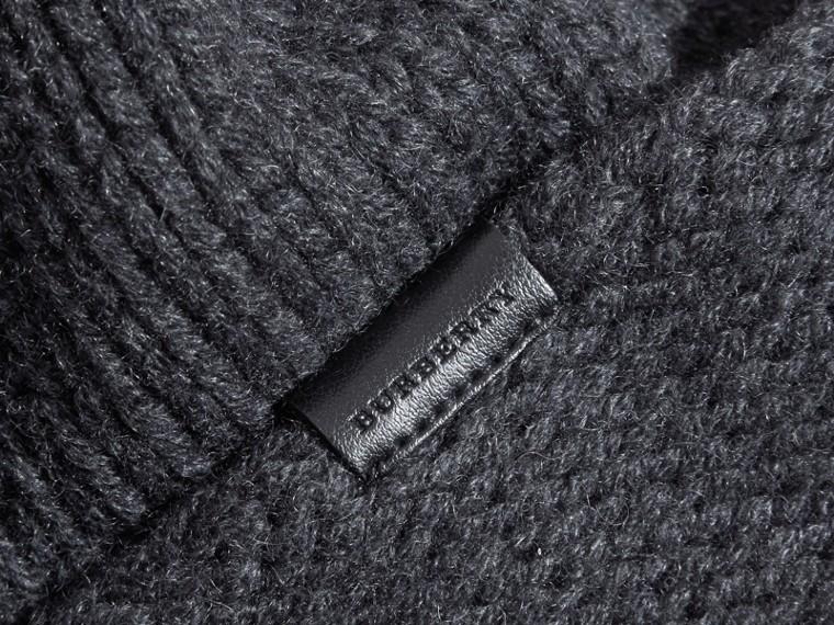 Nero fumo Cappellino in cashmere lavorato a maglia - cell image 2