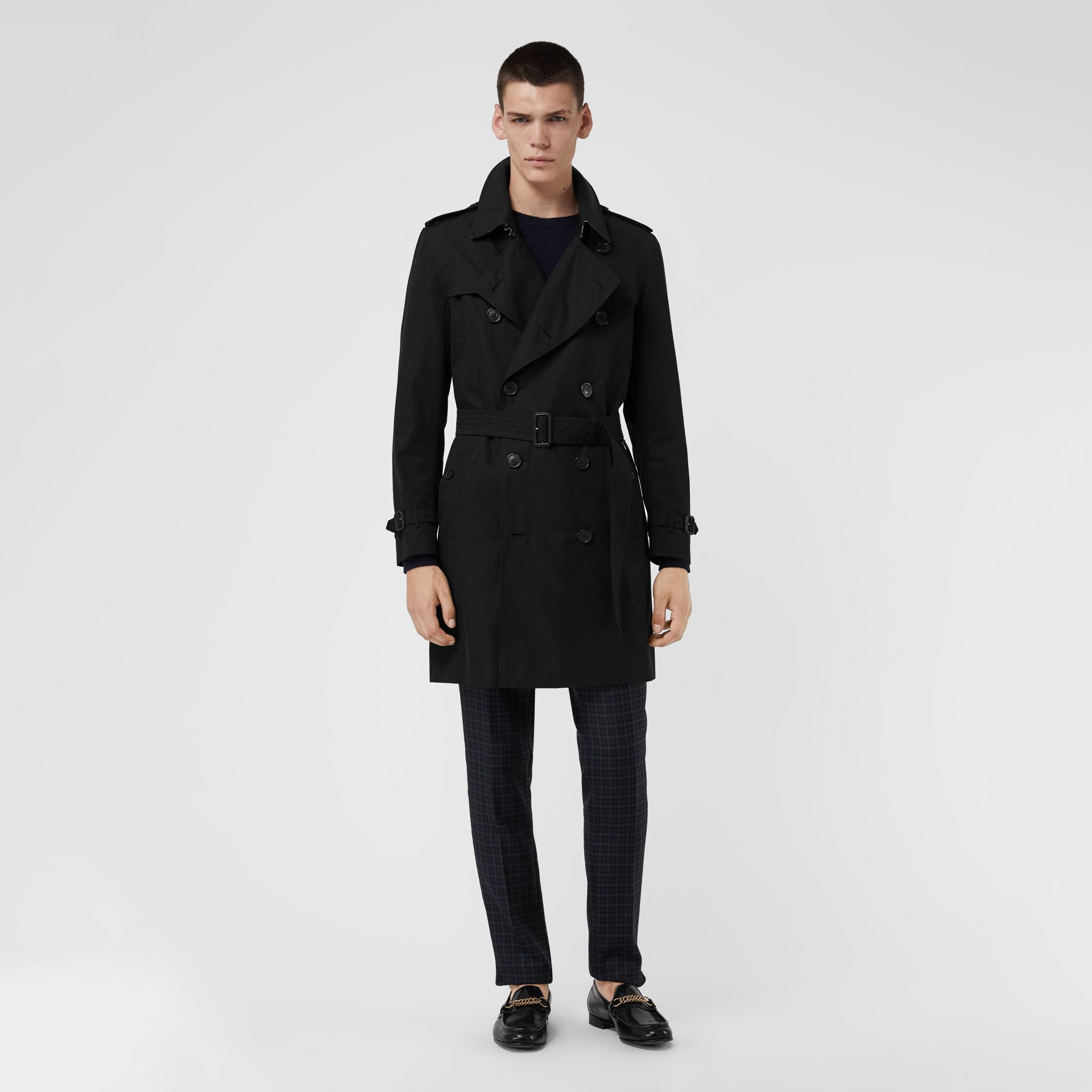 The Kensington Heritage Trench Coat in Black | Burberry United Kingdom - gallery image 0