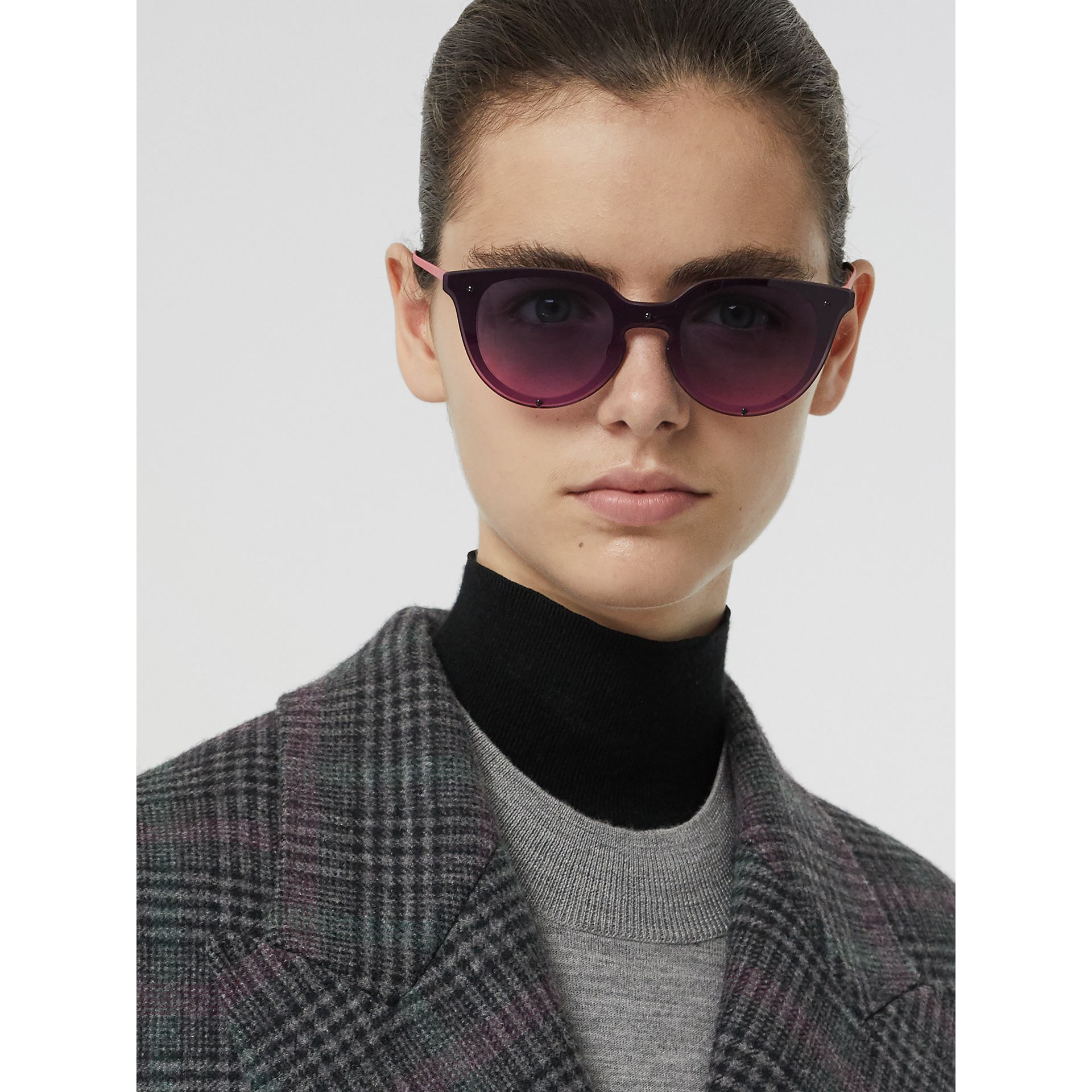 Keyhole Round Frame Shield Sunglasses in Pink - Women | Burberry - gallery image 2