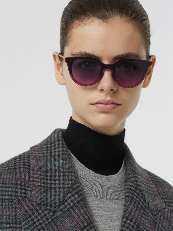 Keyhole Round Frame Shield Sunglasses in Pink - Women | Burberry - cell image 2