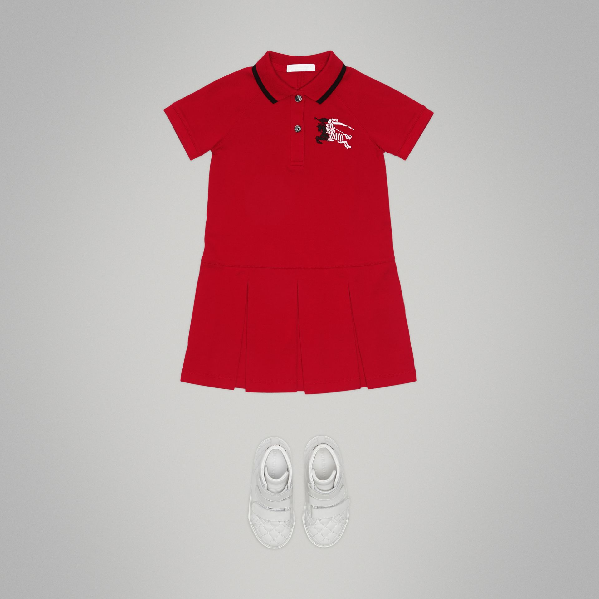 Robe polo avec bande (Rouge Vif) | Burberry - photo de la galerie 2