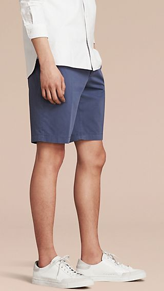 Shorts aus Stretchbaumwolle