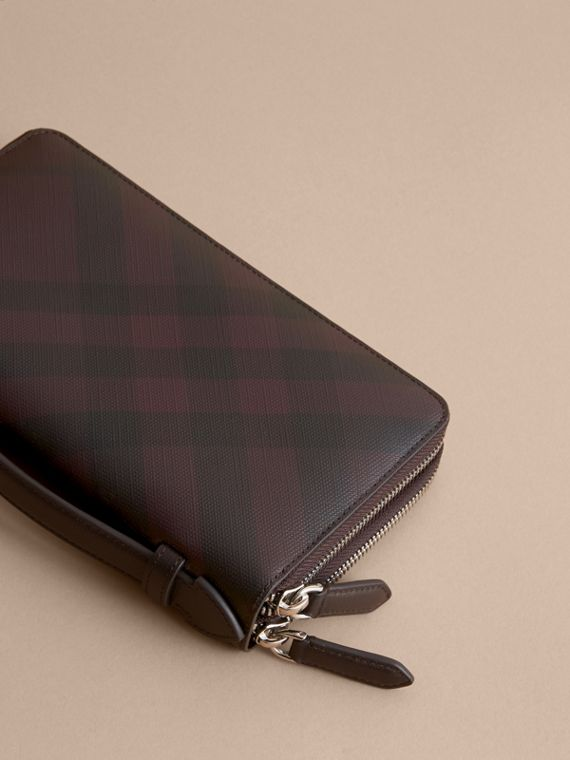 London Check Travel Wallet in Deep Claret - Men | Burberry - cell image 2