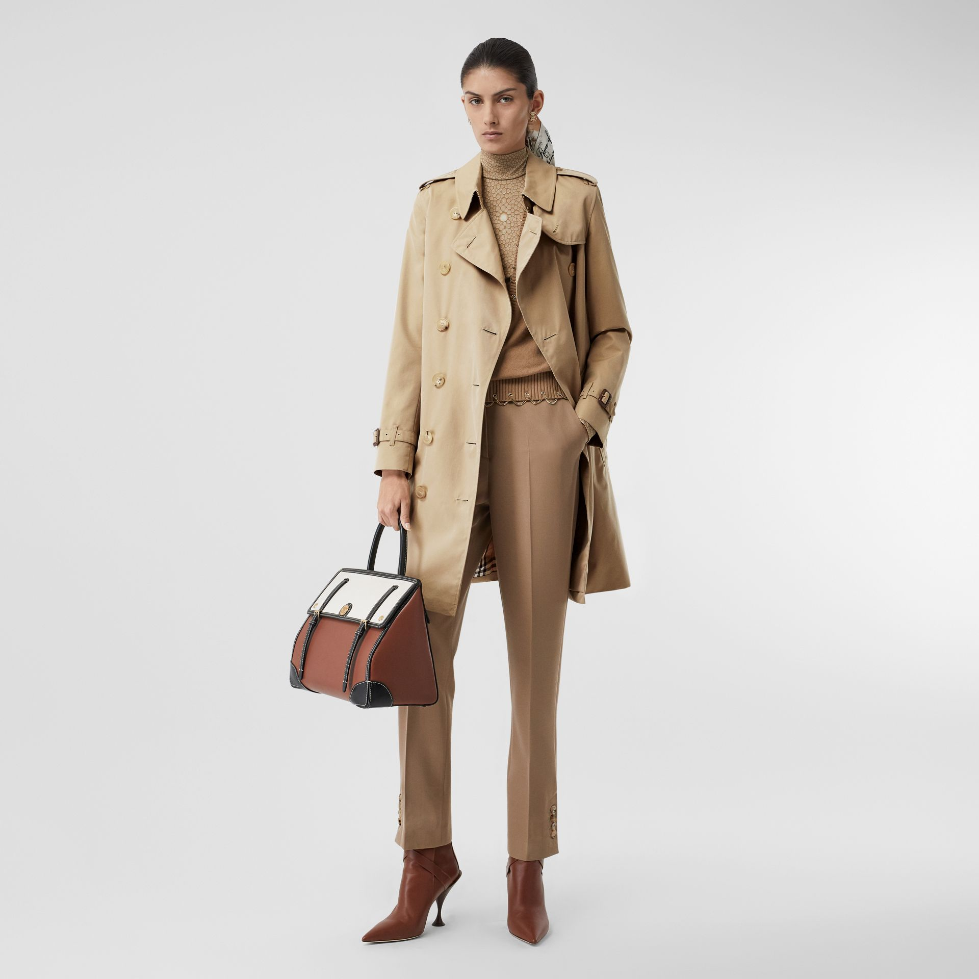 The Mid-length Kensington Heritage Trench Coat in Honey - Women | Burberry United Kingdom - gallery image 0