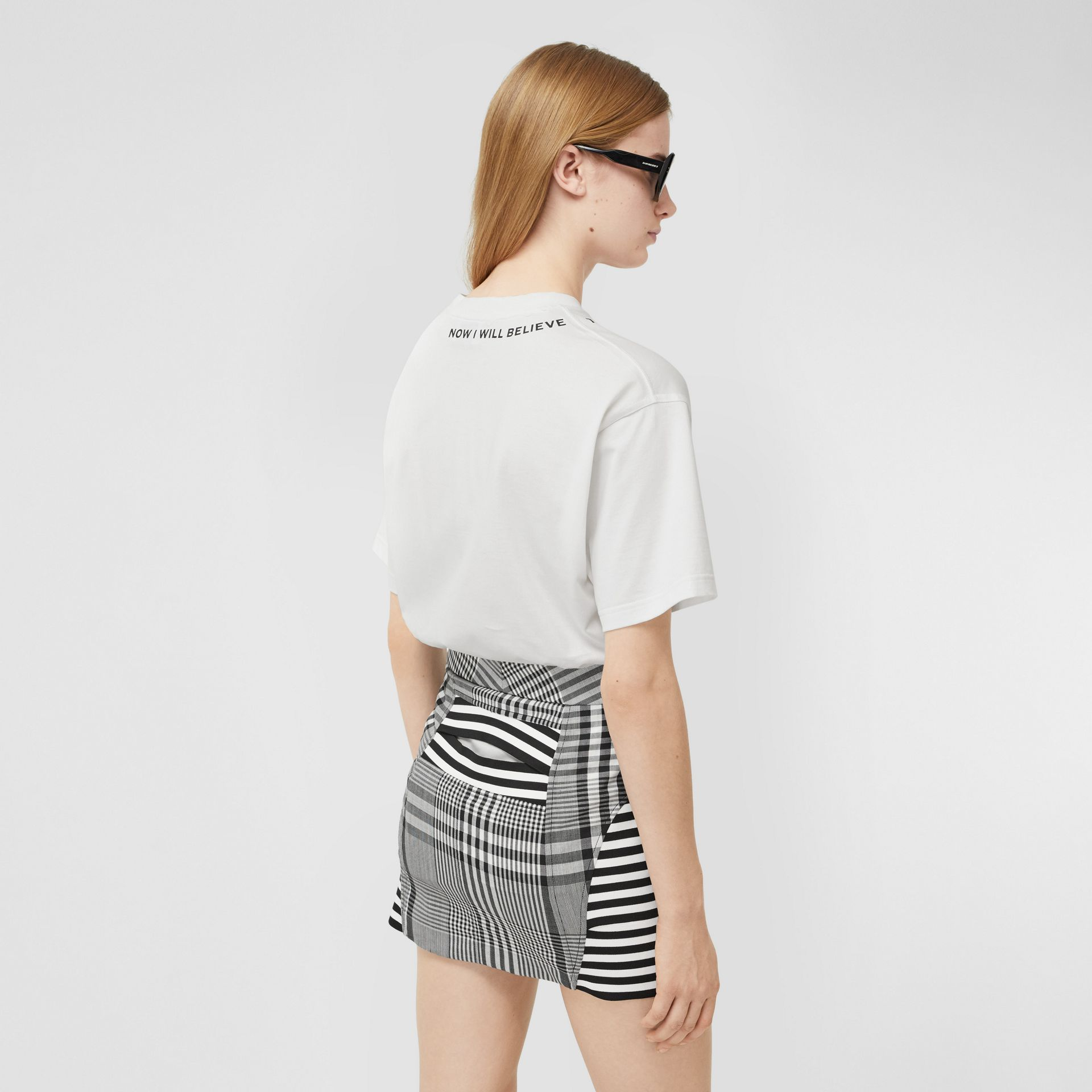 Quote Print Cotton Oversized T-shirt in White - Women | Burberry - gallery image 2
