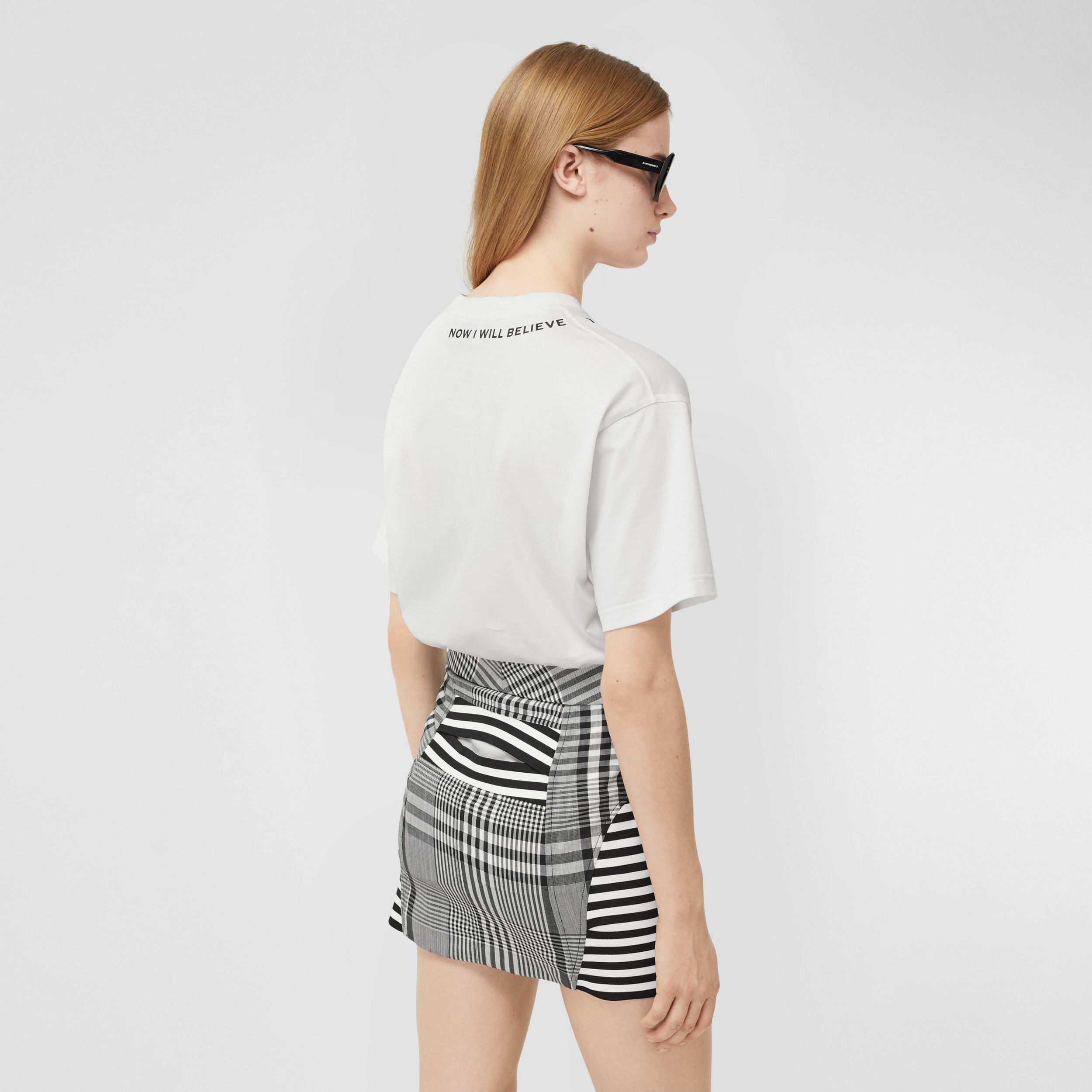 Quote Print Cotton Oversized T-shirt in White - Women | Burberry - 3
