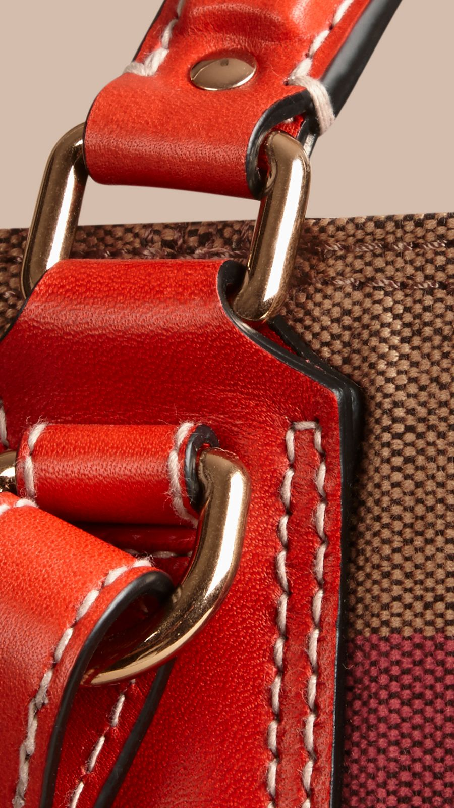 Cadmium red The Medium Ashby in Canvas Check and Leather Cadmium Red - Image 5