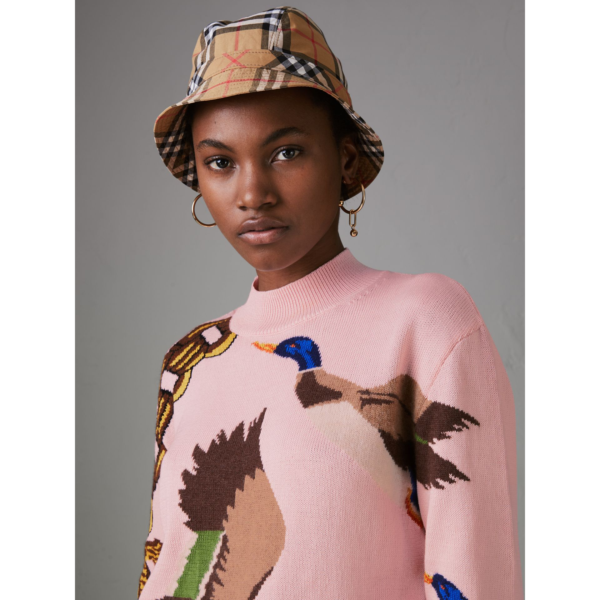 Duck Intarsia Cotton Cashmere Wool Sweater in Pale Pink - Women | Burberry Singapore - gallery image 1