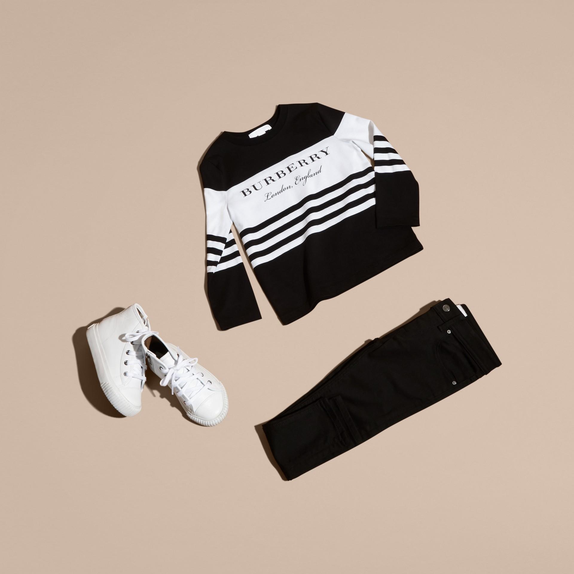 Nero T-shirt a maniche lunghe in cotone a righe Nero - immagine della galleria 5