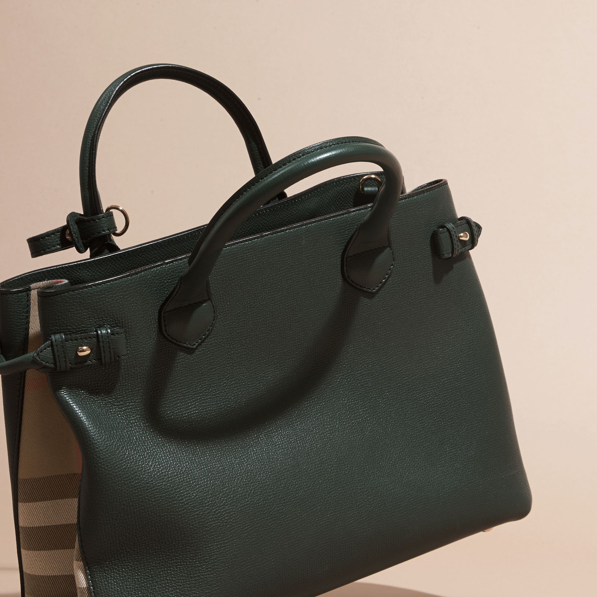The Medium Banner in Leather and House Check in Dark Bottle Green - Women | Burberry - gallery image 4