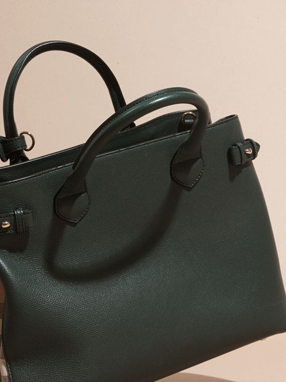 The Medium Banner in Leather and House Check in Dark Bottle Green - Women | Burberry - cell image 3