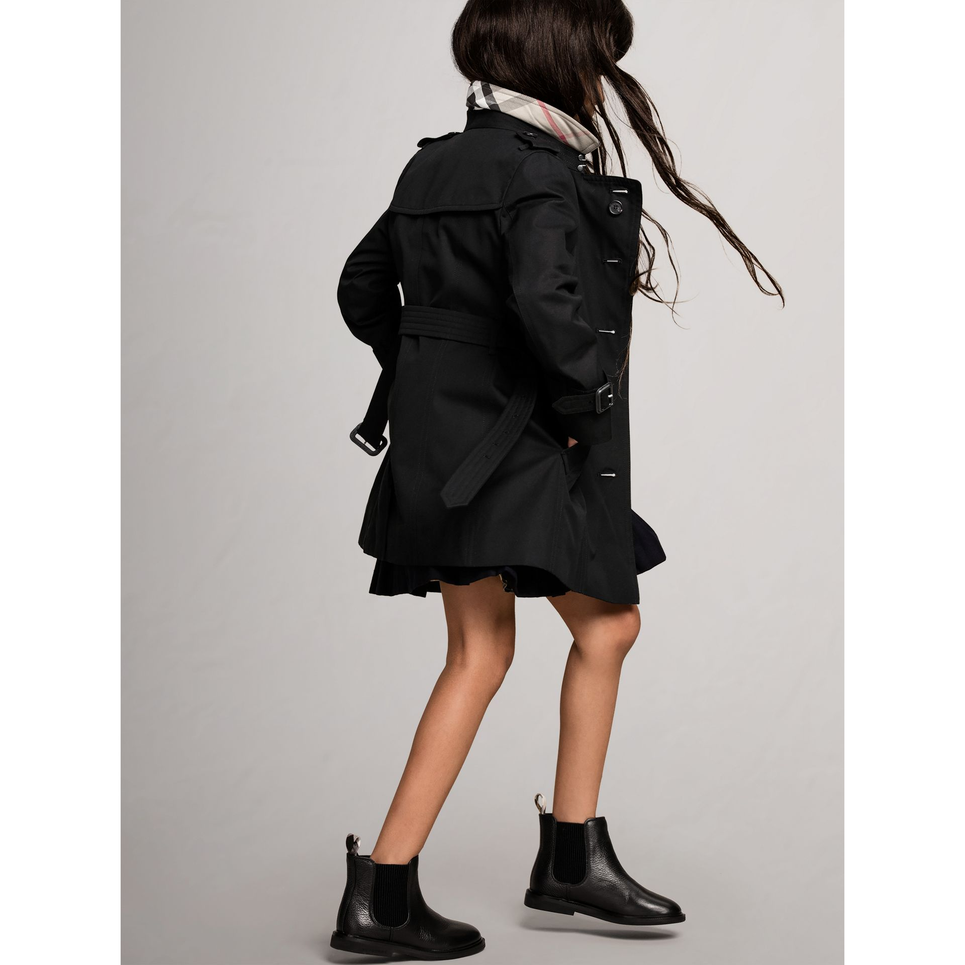 The Sandringham - Trench coat Heritage (Nero) - Bambina | Burberry - immagine della galleria 4