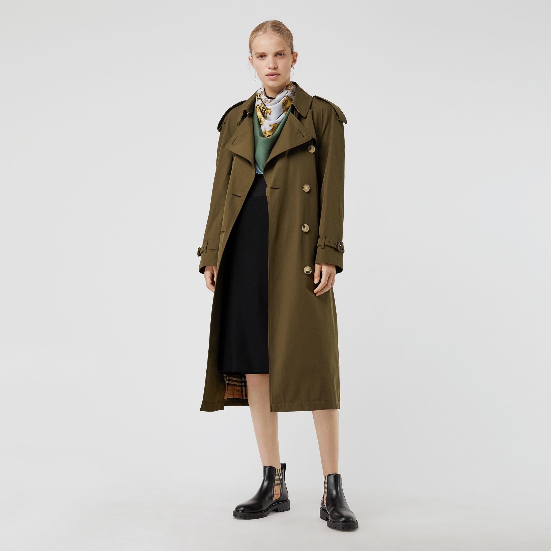 The Long Westminster Heritage Trench Coat in Dark Military Khaki - Women | Burberry Australia - gallery image 7