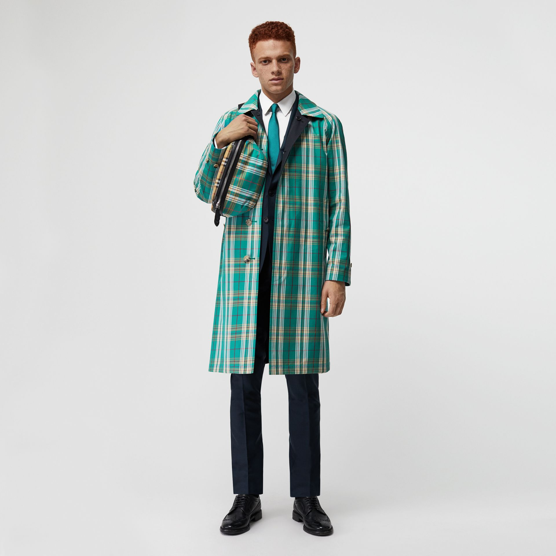 Reversible Tropical Gabardine Car Coat in Midnight - Men | Burberry - gallery image 0