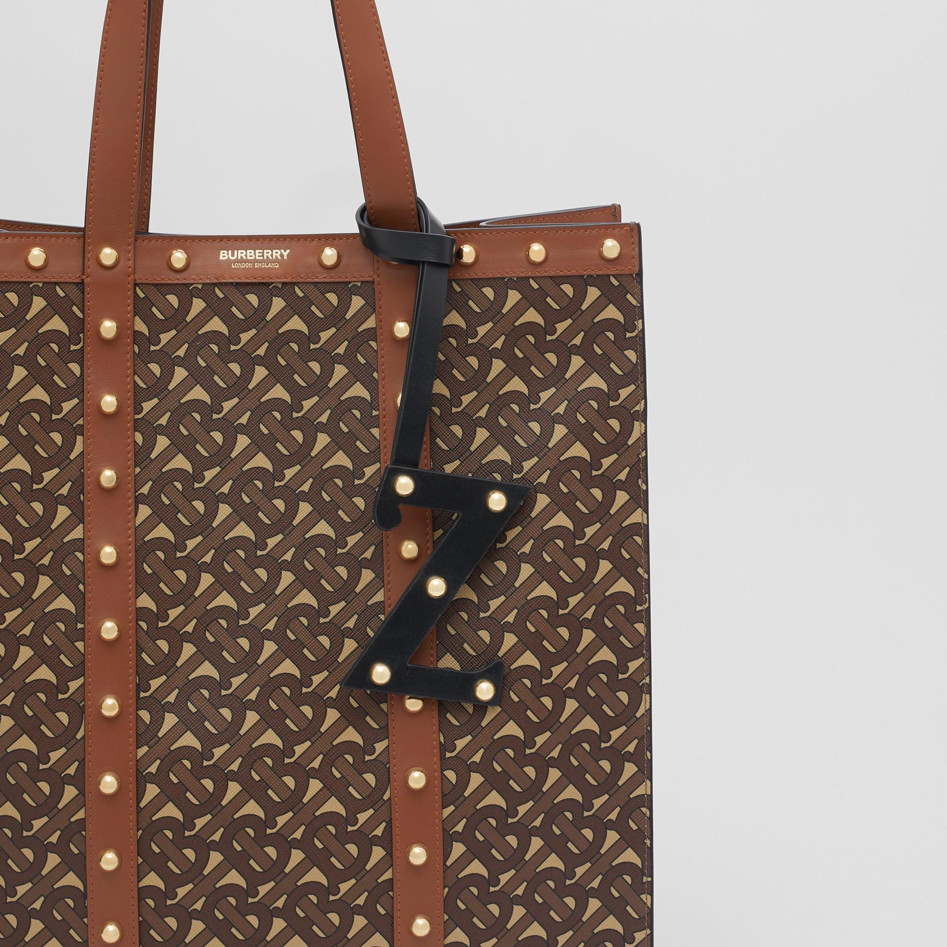 Ciondolo a forma di Z in pelle con borchie (Nero/oro Chiaro) | Burberry - immagine della galleria 3