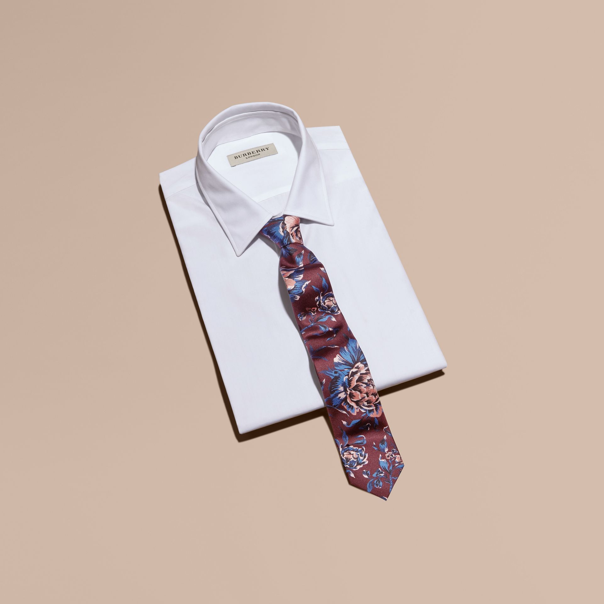 Slim Cut Peony Rose Print Silk Tie in Deep Claret - gallery image 3