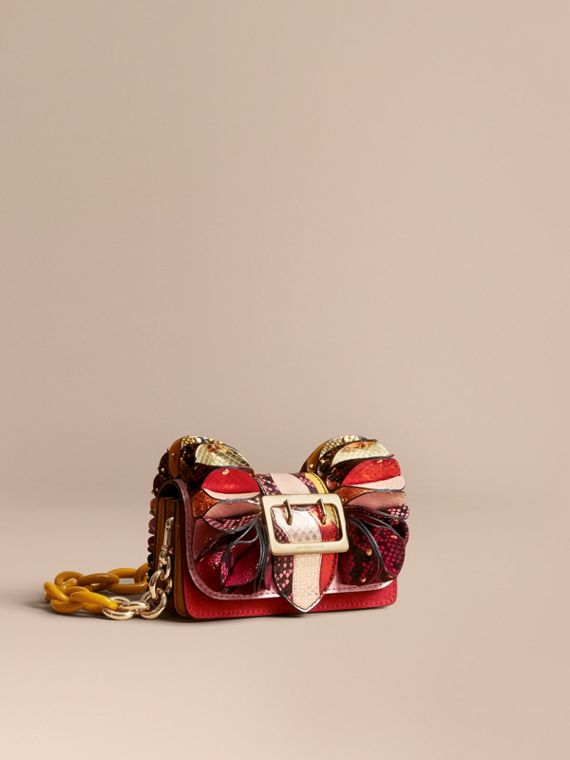 Borsa The Ruffle Buckle in pelle di serpente e pelle di vitello