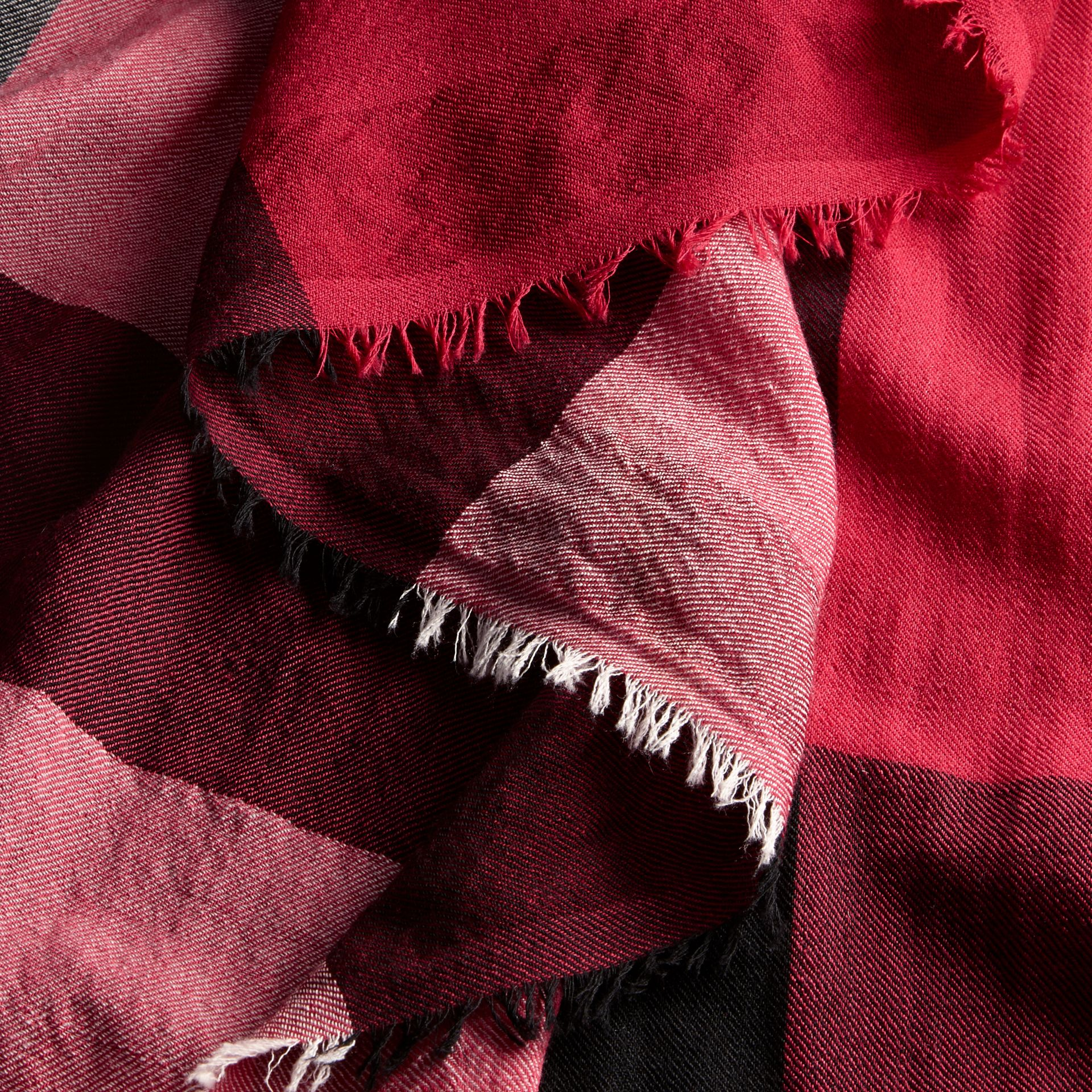 Fuchsia pink The Lightweight Cashmere Scarf in Check Fuchsia Pink - gallery image 5