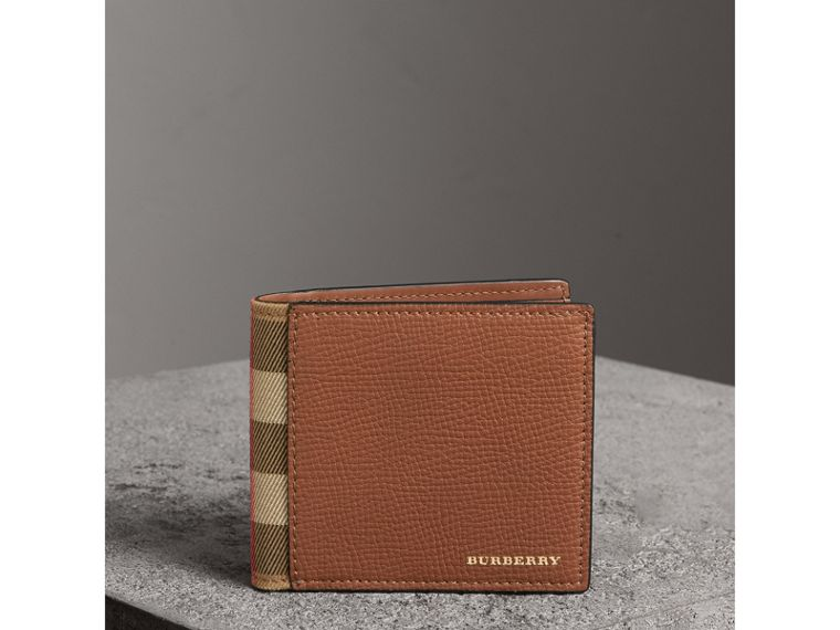 Leather and House Check International Bifold Wallet in Chestnut Brown | Burberry - cell image 4