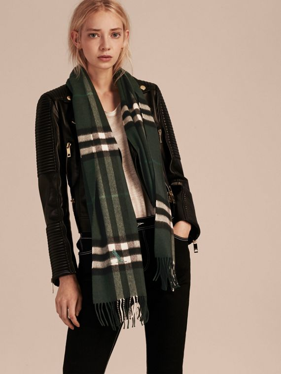 Dark forest green The Classic Cashmere Scarf in Check Dark Forest Green - cell image 2