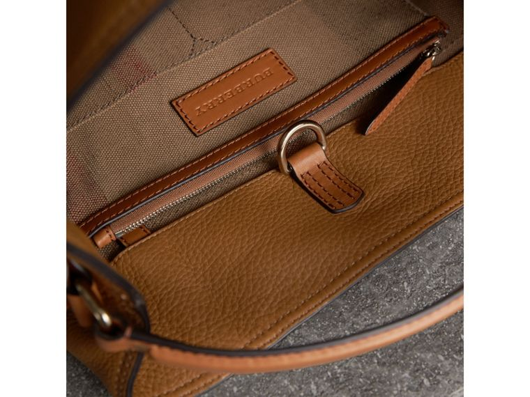 The Ashby media con pelle e motivo Canvas check - Donna | Burberry - cell image 4