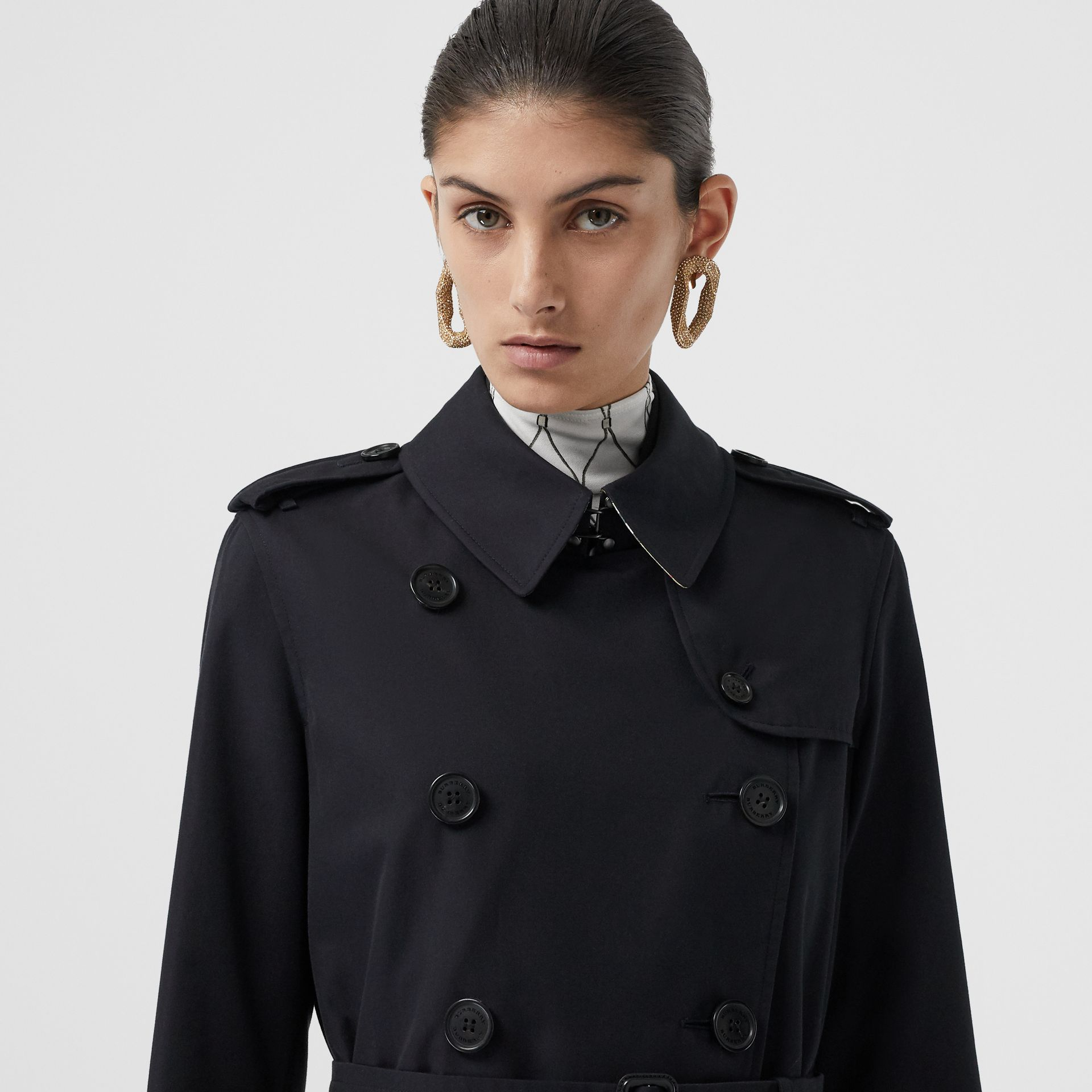 The Long Kensington Heritage Trench Coat in Midnight - Women | Burberry Hong Kong S.A.R - gallery image 10