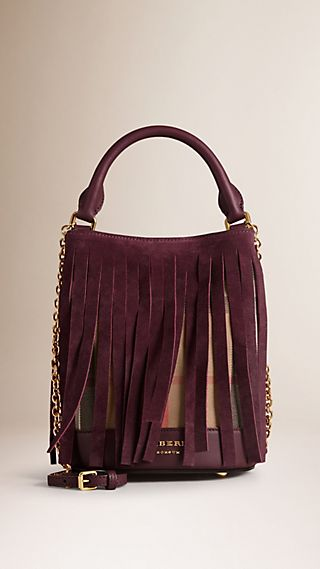 Die Tasche Burberry Small Bucket in House Check mit Fransen