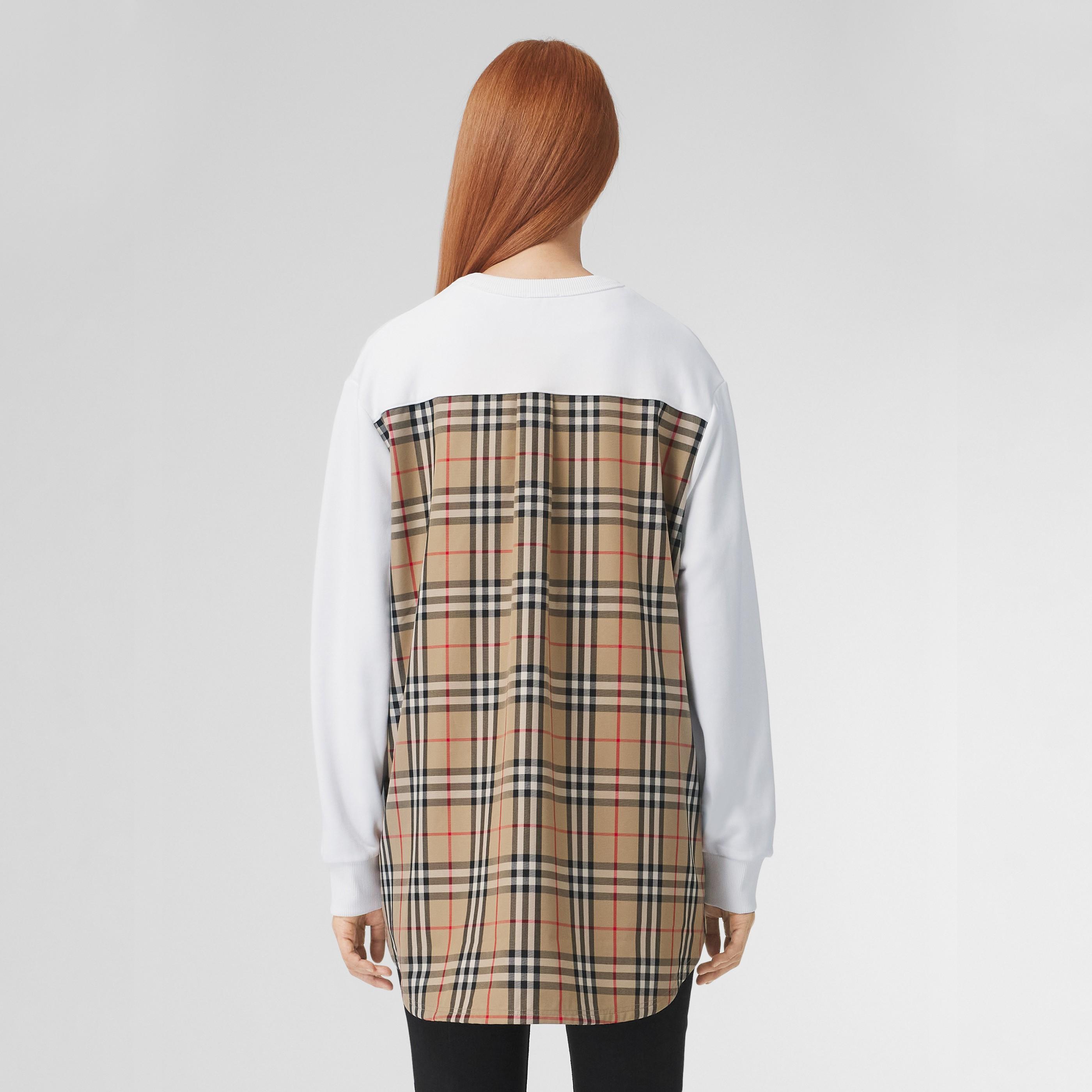 Felpa oversize in cotone con inserti Vintage check (Bianco) - Donna | Burberry - 3