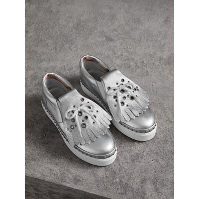 Burberry - Sneakers en cuir métallisé à franges - 1