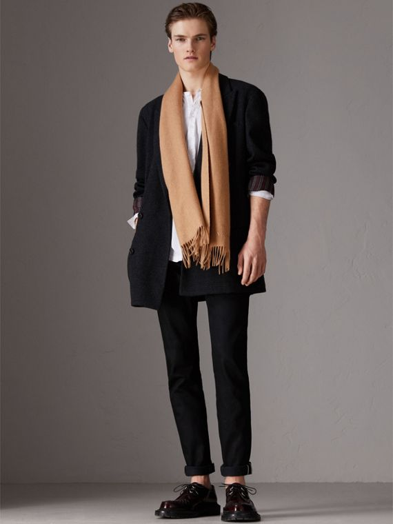 The Classic Cashmere Scarf in Camel | Burberry United Kingdom - cell image 3
