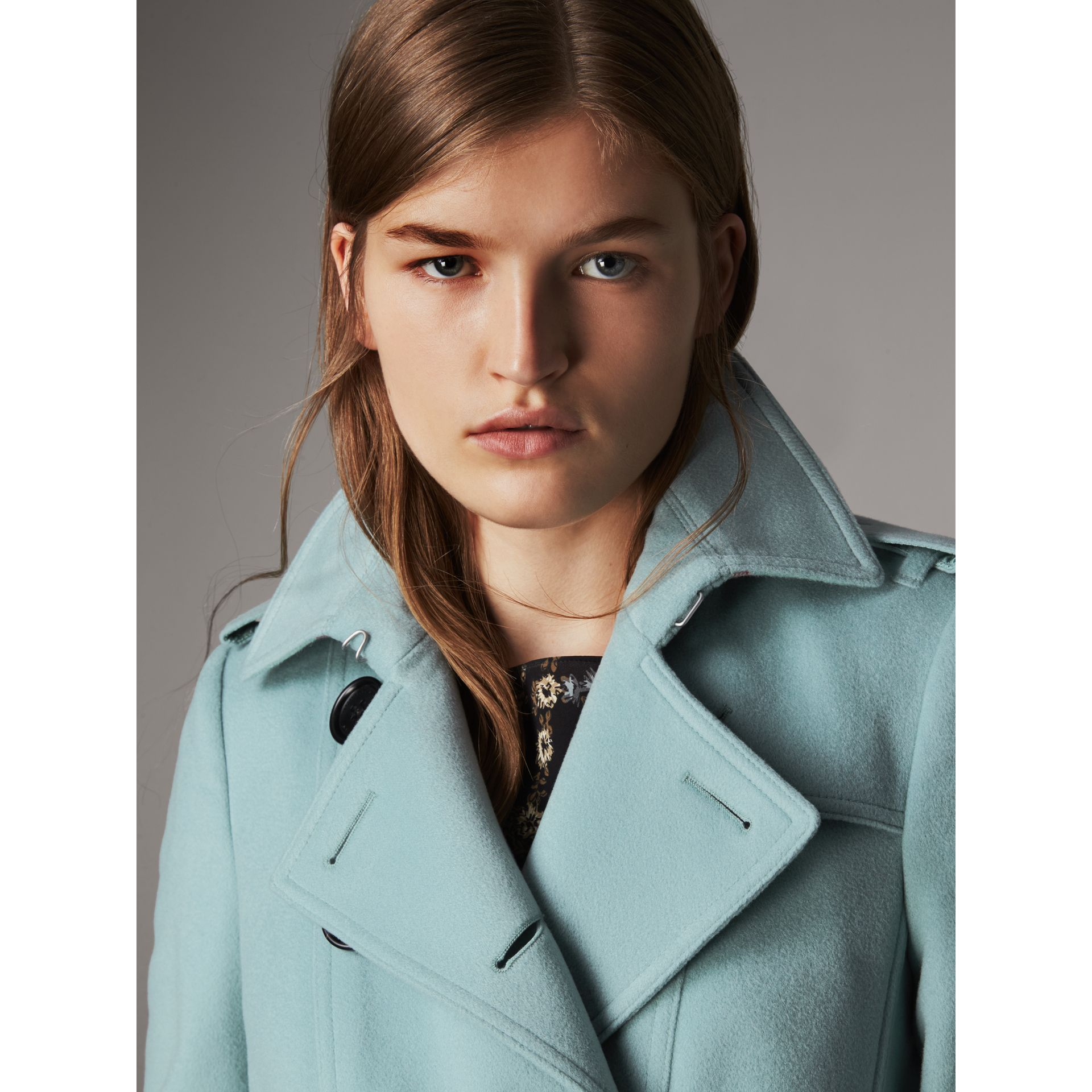 Sandringham Fit Cashmere Trench Coat in Pale Mineral Blue - Women | Burberry - gallery image 4