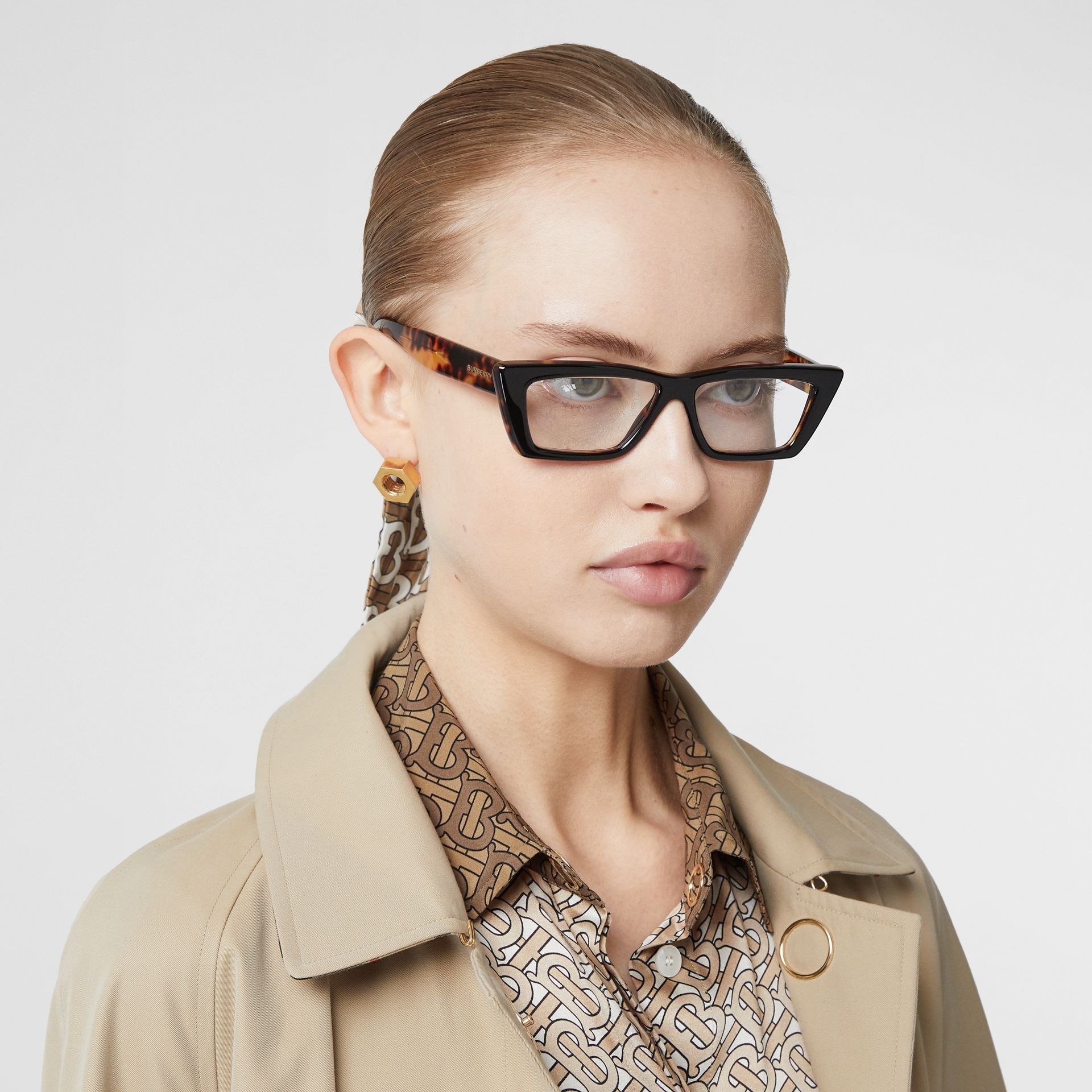 Rectangular Optical Frames in Tortoiseshell - Women | Burberry - gallery image 2
