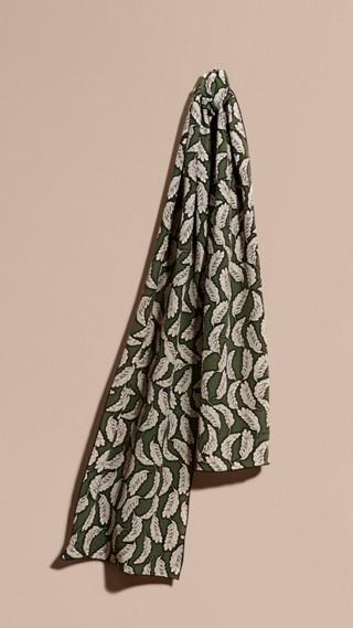 Foulard en soie à imprimé feuillage