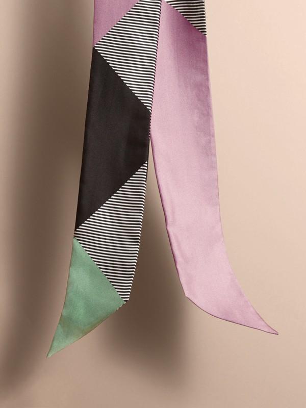 Echarpe slim de seda com estampa listrada e colour block (Lilás Claro) - Mulheres | Burberry - cell image 3