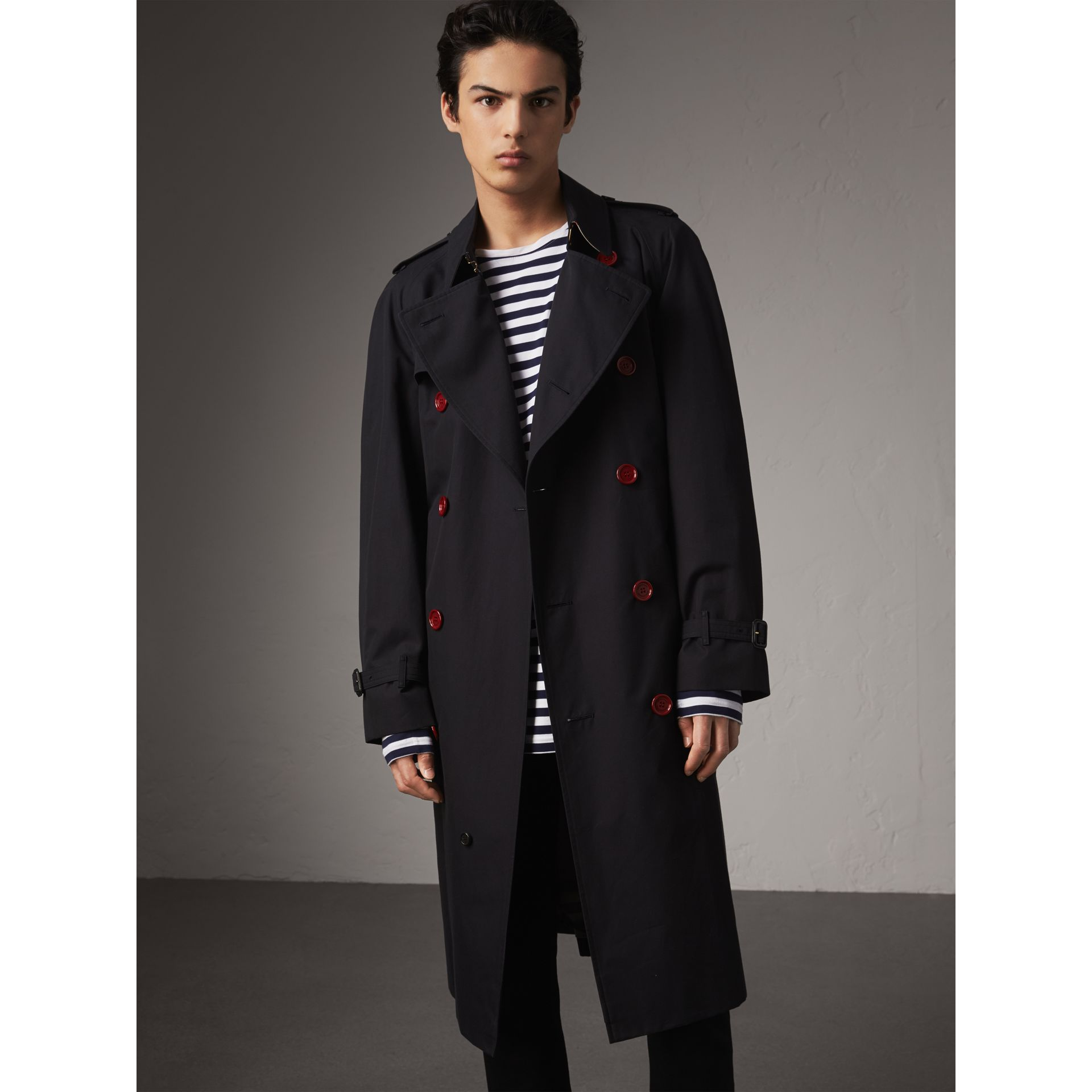 Extra-long Resin Button Cotton Gabardine Trench Coat in Navy - Men | Burberry - gallery image 7