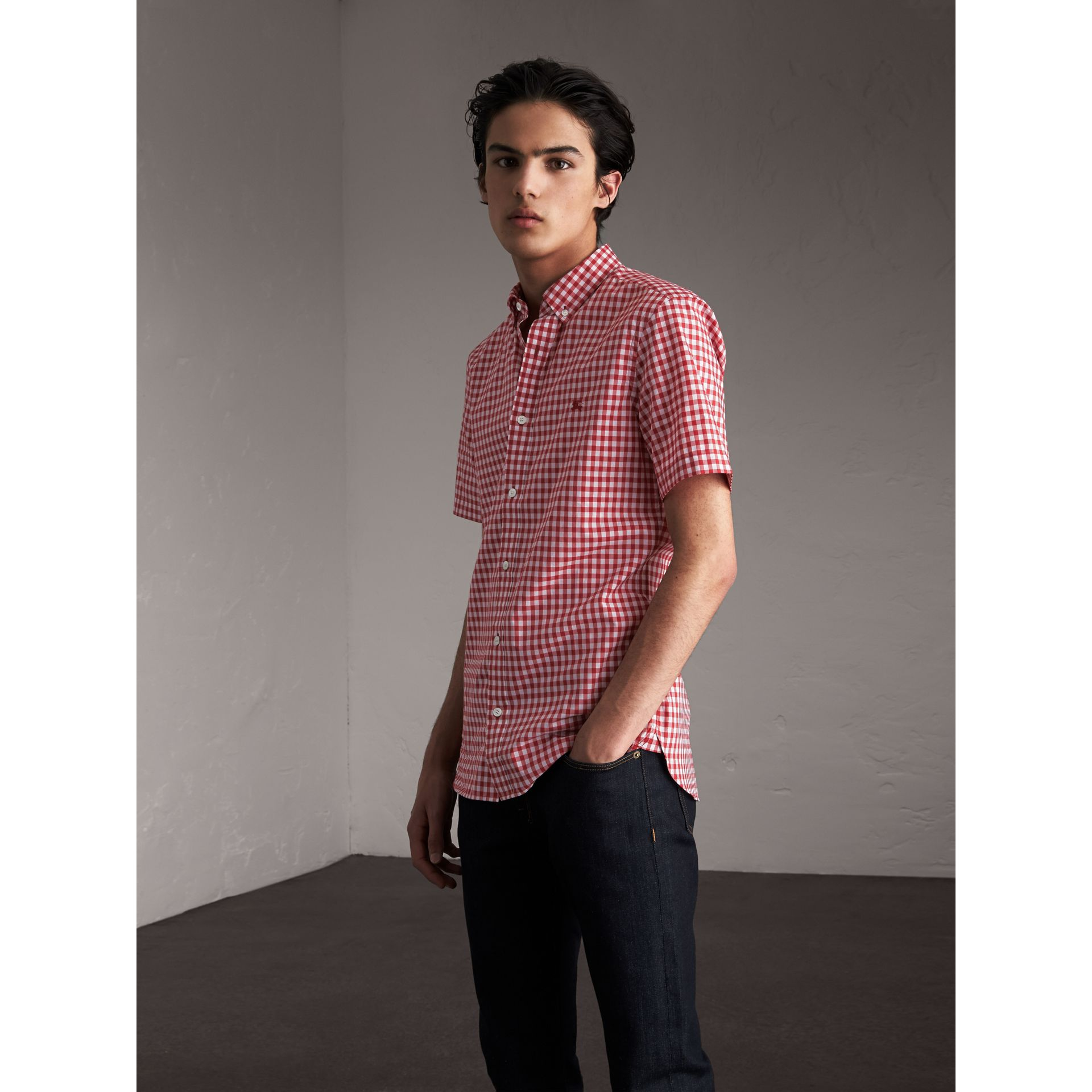 Short-sleeve Button-down Collar Cotton Gingham Shirt in Parade Red - Men | Burberry - gallery image 1