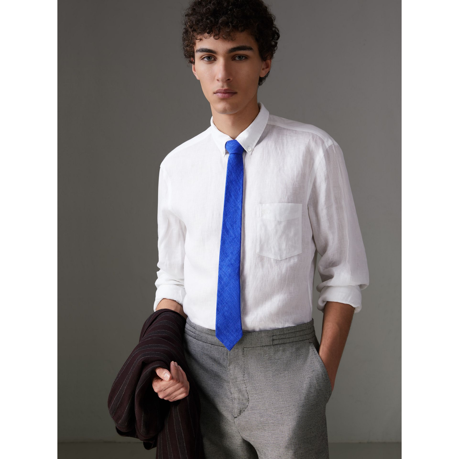 Slim Cut Linen Tie in Violet Blue - Men | Burberry - gallery image 2