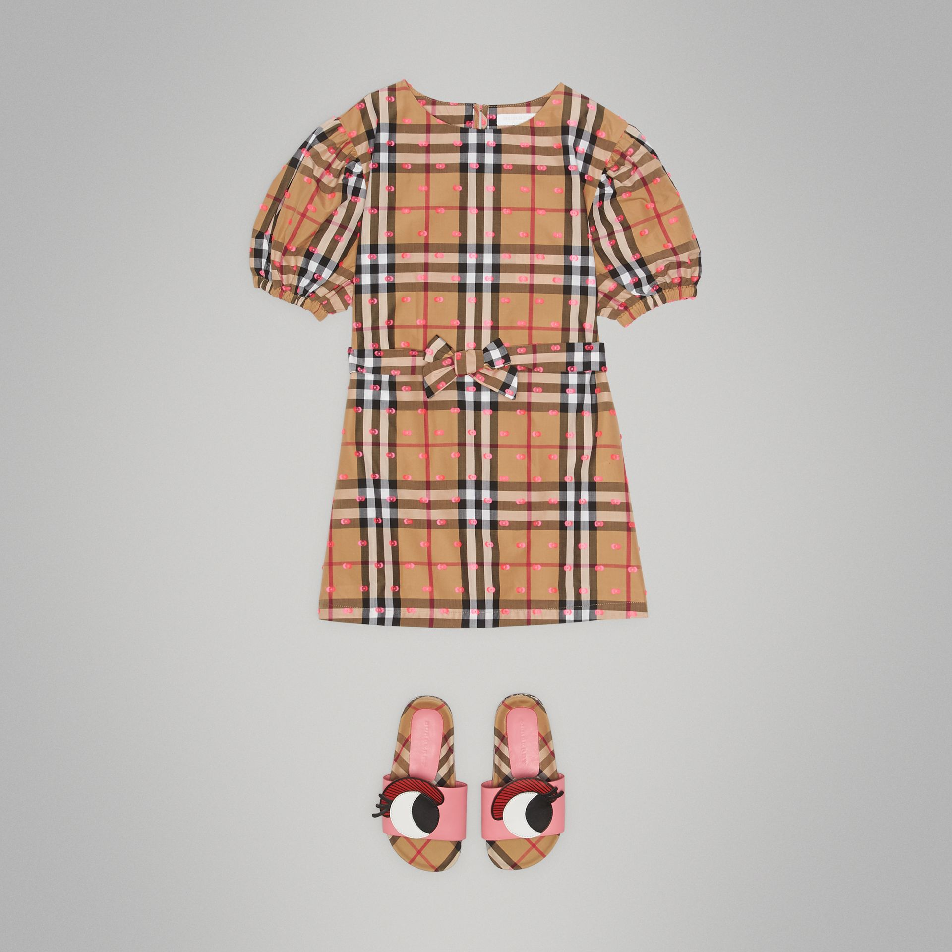 Gathered Sleeve Vintage Check Cotton Dress in Antique Yellow - Girl | Burberry - gallery image 2