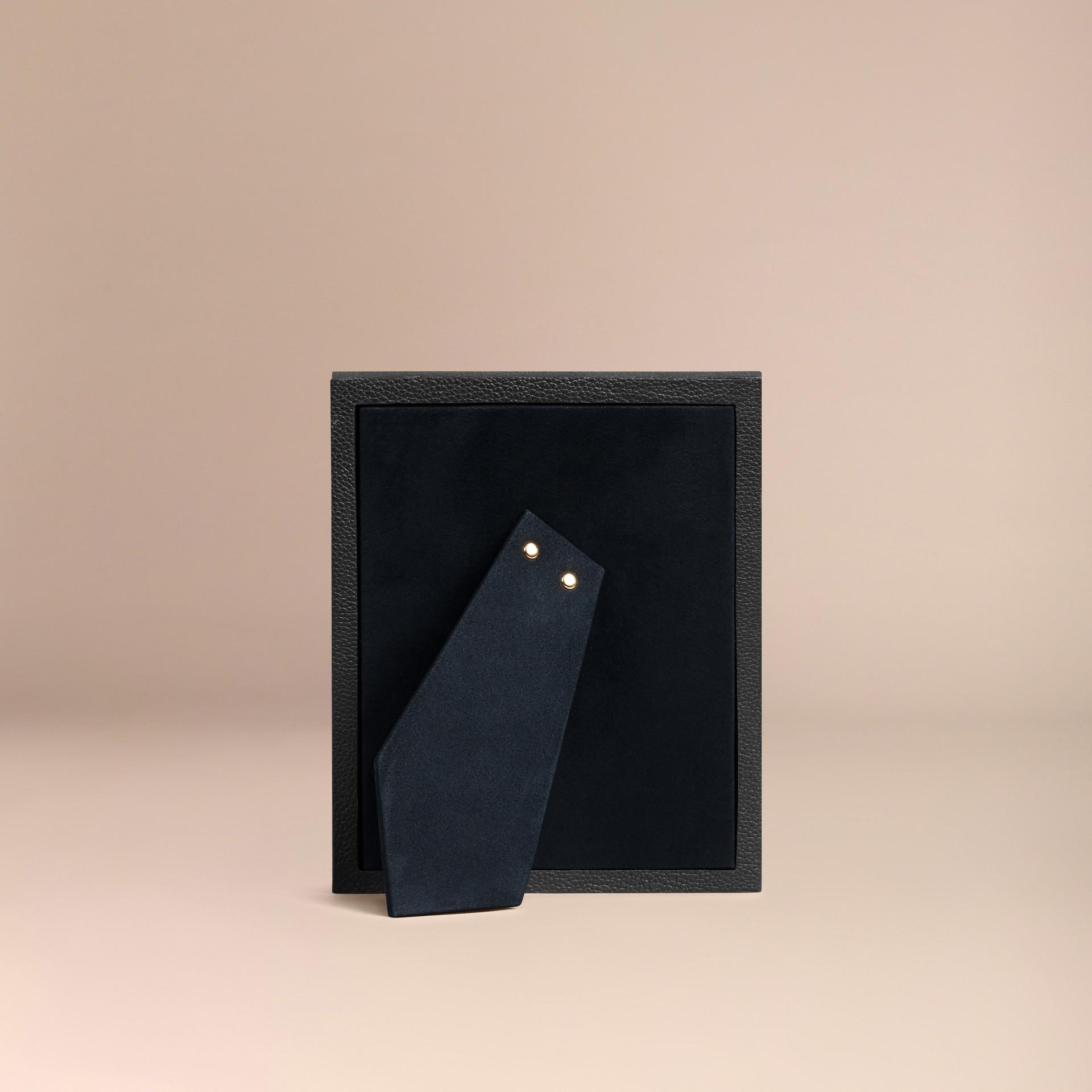 Schwarz Mittelgroßer Bilderrahmen aus genarbtem Leder Schwarz - Galerie-Bild 3