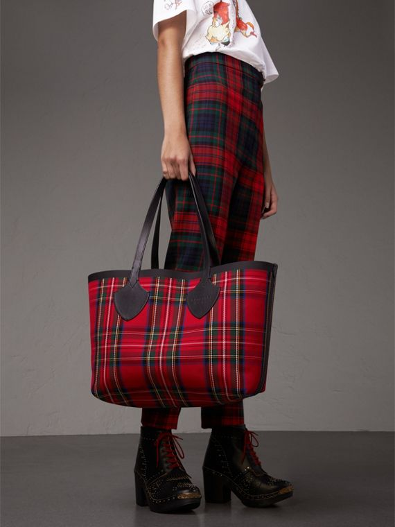 Sac tote The Giant moyen en Vintage check (Jaune Antique/rouge Vif) | Burberry - cell image 3