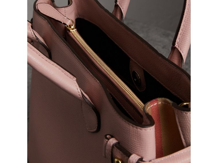 The Medium Banner in Leather and House Check in Pale Orchid - Women | Burberry - cell image 4