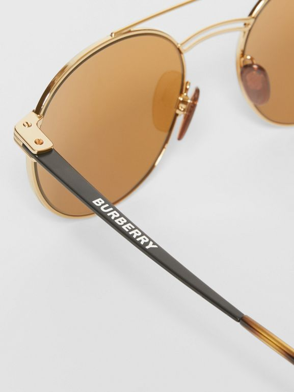 Top Bar Detail Round Frame Sunglasses in Tortoiseshell - Men | Burberry Hong Kong - cell image 1