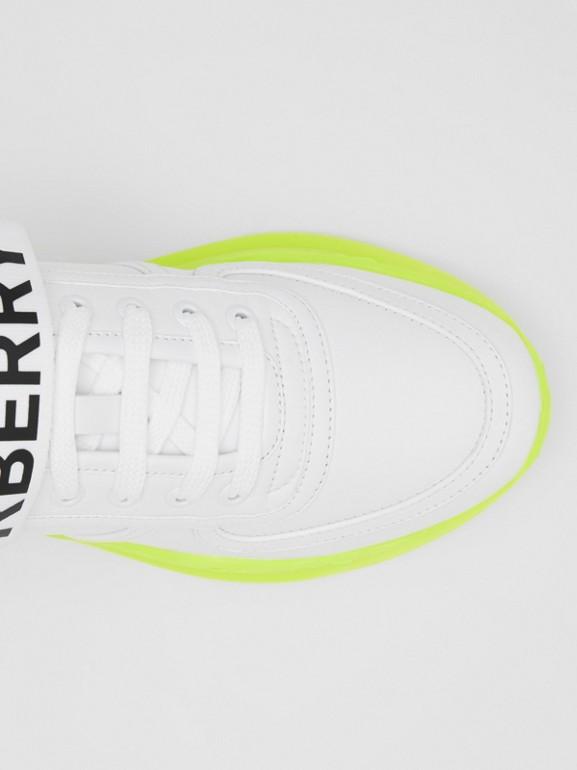 標誌細節皮革及尼龍運動鞋 (光白色/螢光黃) - 女款 | Burberry - cell image 1